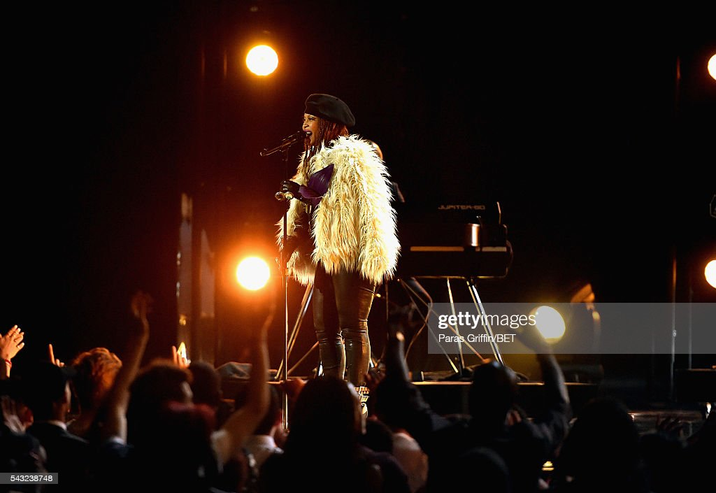 Singer <a gi-track='captionPersonalityLinkClicked' href=/galleries/search?phrase=Erykah+Badu&family=editorial&specificpeople=224744 ng-click='$event.stopPropagation()'>Erykah Badu</a> performs onstage during the 2016 BET Awards at the Microsoft Theater on June 26, 2016 in Los Angeles, California.