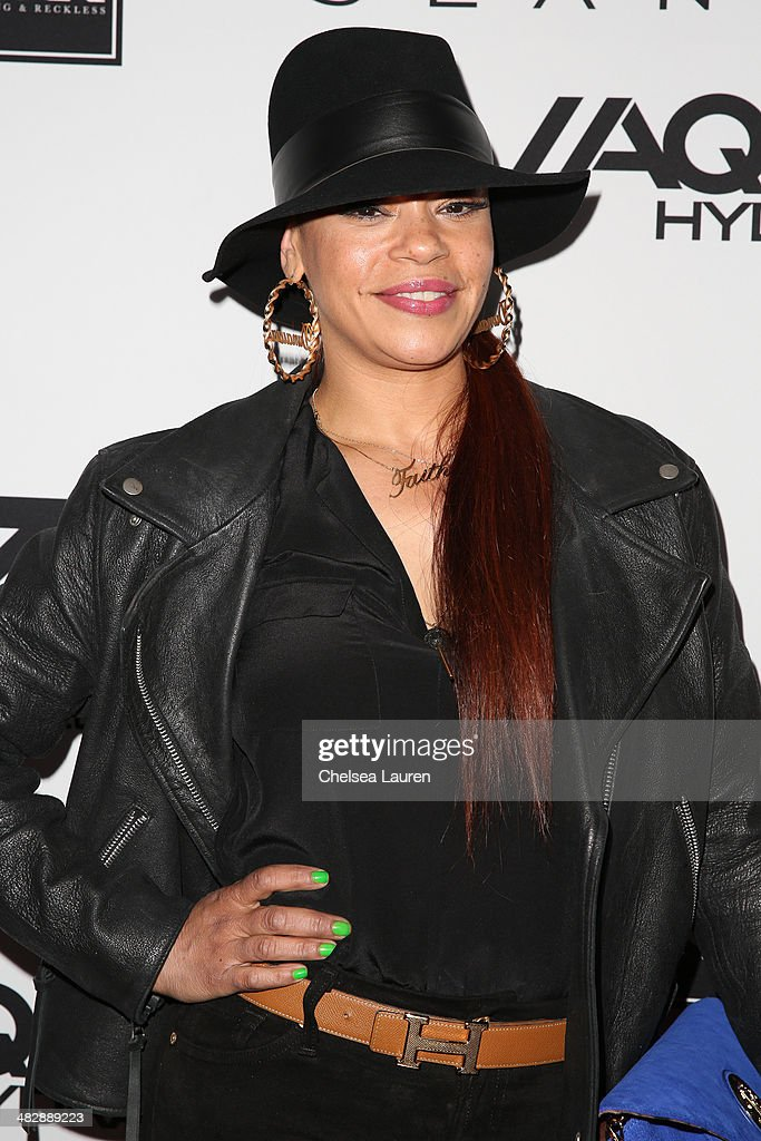Singer <a gi-track='captionPersonalityLinkClicked' href=/galleries/search?phrase=Faith+Evans&family=editorial&specificpeople=203286 ng-click='$event.stopPropagation()'>Faith Evans</a> arrives at Christian Casey Combs' 16th birthday party at 1OAK on April 4, 2014 in West Hollywood, California.