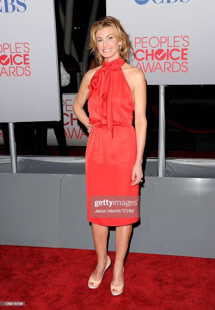 Singer Faith Hill arrives at the 2012 People's Choice Awards held at Nokia Theatre L.A. Live on January 11, 2012 in Los Angeles, California.