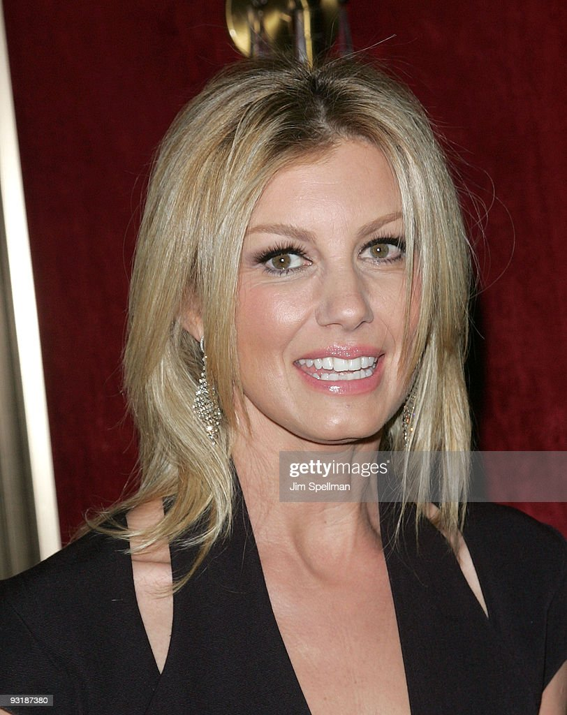 Singer Faith Hill attends 'The Blind Side' premiere at the Ziegfeld Theatre on November 17, 2009 in New York City.