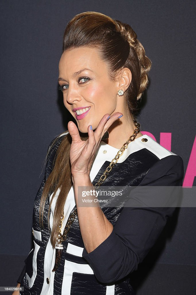 Singer Fey attends the Glamour Magazine 15th Anniversary at Casino Del Bosque on October 10, 2013 in Mexico City, Mexico.
