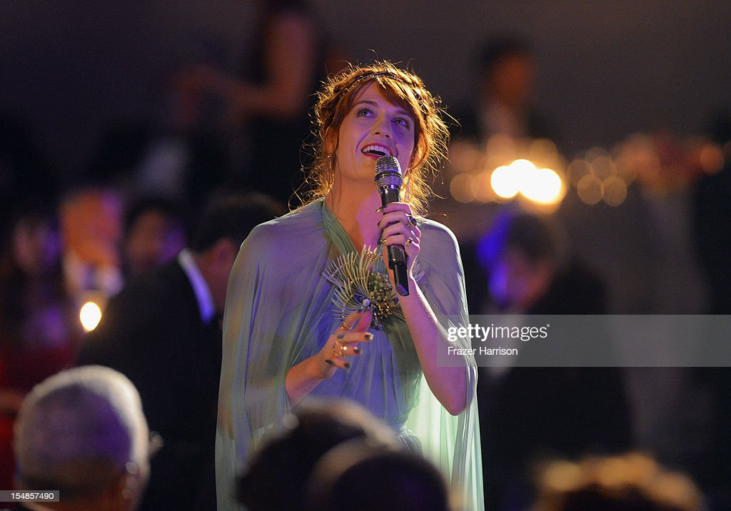 Singer <a gi-track='captionPersonalityLinkClicked' href=/galleries/search?phrase=Florence+Welch&family=editorial&specificpeople=5431574 ng-click='$event.stopPropagation()'>Florence Welch</a> performs during the LACMA 2012 Art + Film Gala Honoring Ed Ruscha and Stanley Kubrick presented by Gucci at LACMA on October 27, 2012 in Los Angeles, California.