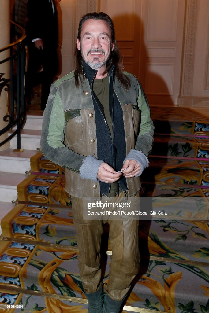Singer <a gi-track='captionPersonalityLinkClicked' href=/galleries/search?phrase=Florent+Pagny&family=editorial&specificpeople=2322903 ng-click='$event.stopPropagation()'>Florent Pagny</a> attends 'Global Gift Gala' at Hotel George V on May 13, 2013 in Paris, France.
