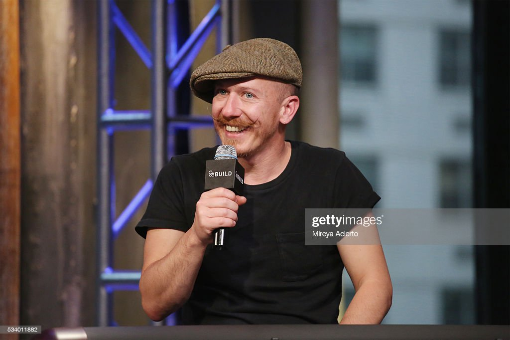 Singer <a gi-track='captionPersonalityLinkClicked' href=/galleries/search?phrase=Foy+Vance&family=editorial&specificpeople=2079714 ng-click='$event.stopPropagation()'>Foy Vance</a> performs and discusses his new album 'The Wild Swan' at AOL Studios in New York on May 24, 2016 in New York City.