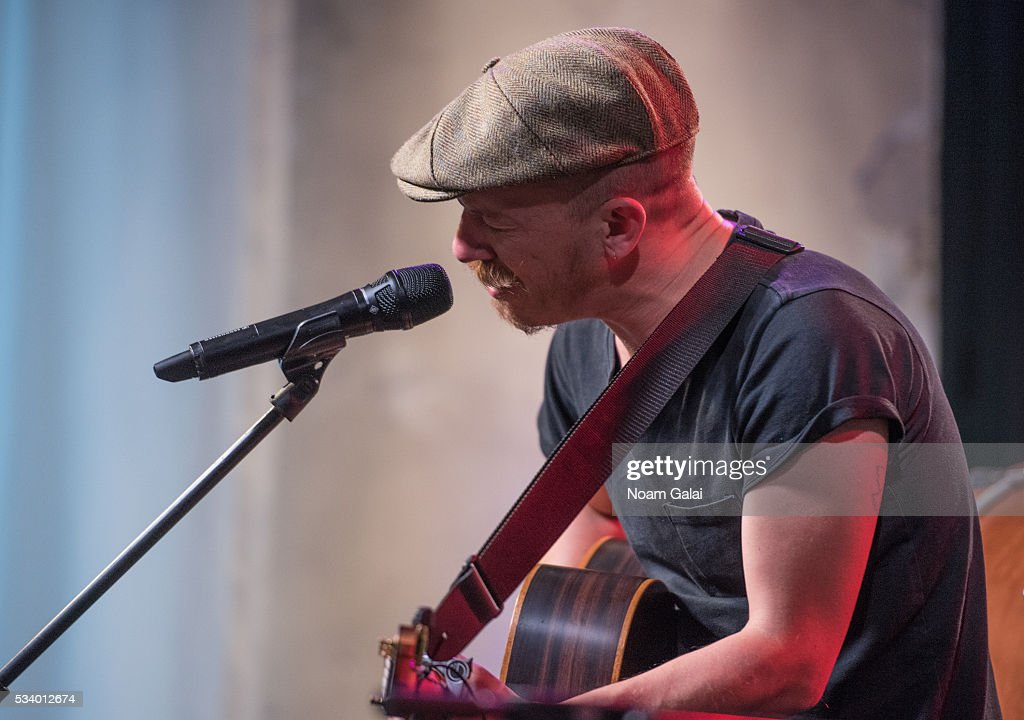 Singer <a gi-track='captionPersonalityLinkClicked' href=/galleries/search?phrase=Foy+Vance&family=editorial&specificpeople=2079714 ng-click='$event.stopPropagation()'>Foy Vance</a> performs at AOL Build in New York on May 24, 2016 in New York City.