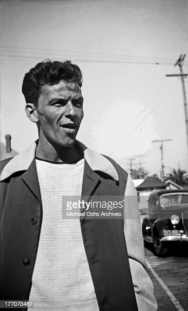 Singer Frank Sinatra poses for a portrait in circa 1942 in Los Angeles California