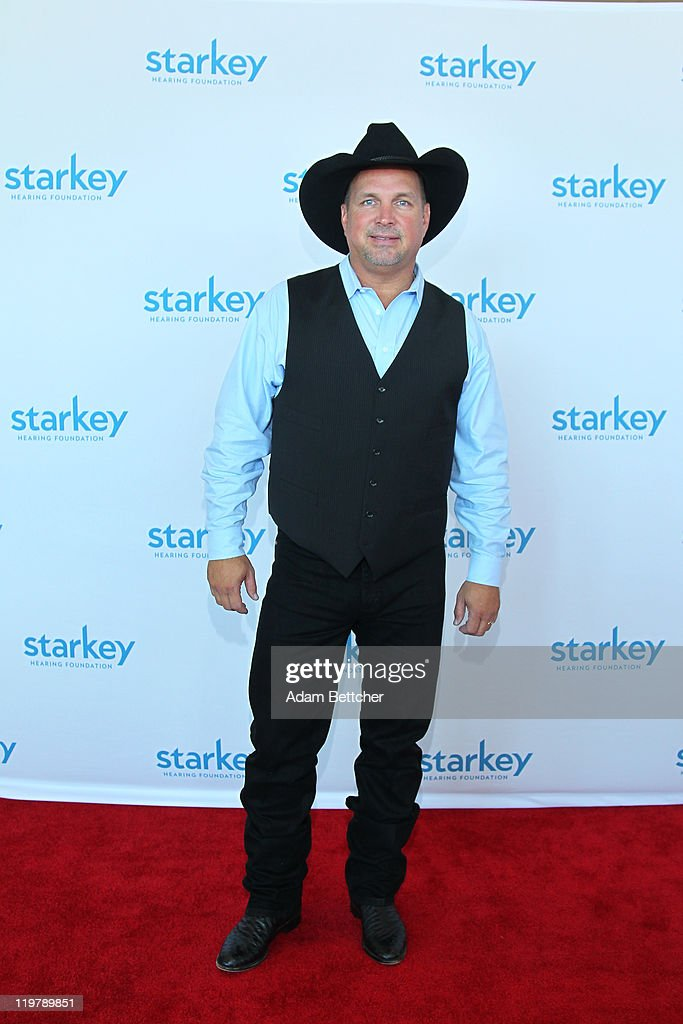 Singer <a gi-track='captionPersonalityLinkClicked' href=/galleries/search?phrase=Garth+Brooks&family=editorial&specificpeople=206288 ng-click='$event.stopPropagation()'>Garth Brooks</a> attends the Starkey Hearing Foundation's 'So The World May Hear Awards Gala' 2011 at River Centre on July 24, 2011 in St. Paul, Minnesota.