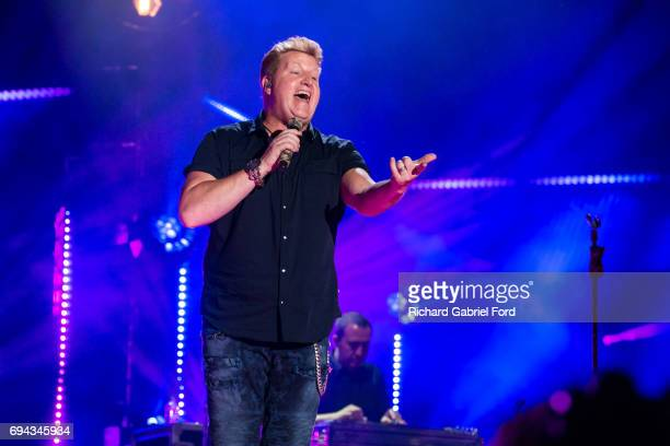 Singer Gary LeVox of Rascal Flatts performs at Nissan Stadium during day 2 of the 2017 CMA Music Festival on June 8 2017 in Nashville Tennessee