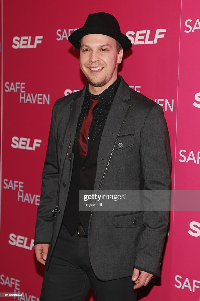Singer <a gi-track='captionPersonalityLinkClicked' href=/galleries/search?phrase=Gavin+DeGraw&family=editorial&specificpeople=203282 ng-click='$event.stopPropagation()'>Gavin DeGraw</a> attends a New York screening of 'Safe Haven' at Landmark Sunshine Cinema on February 11, 2013 in New York City.