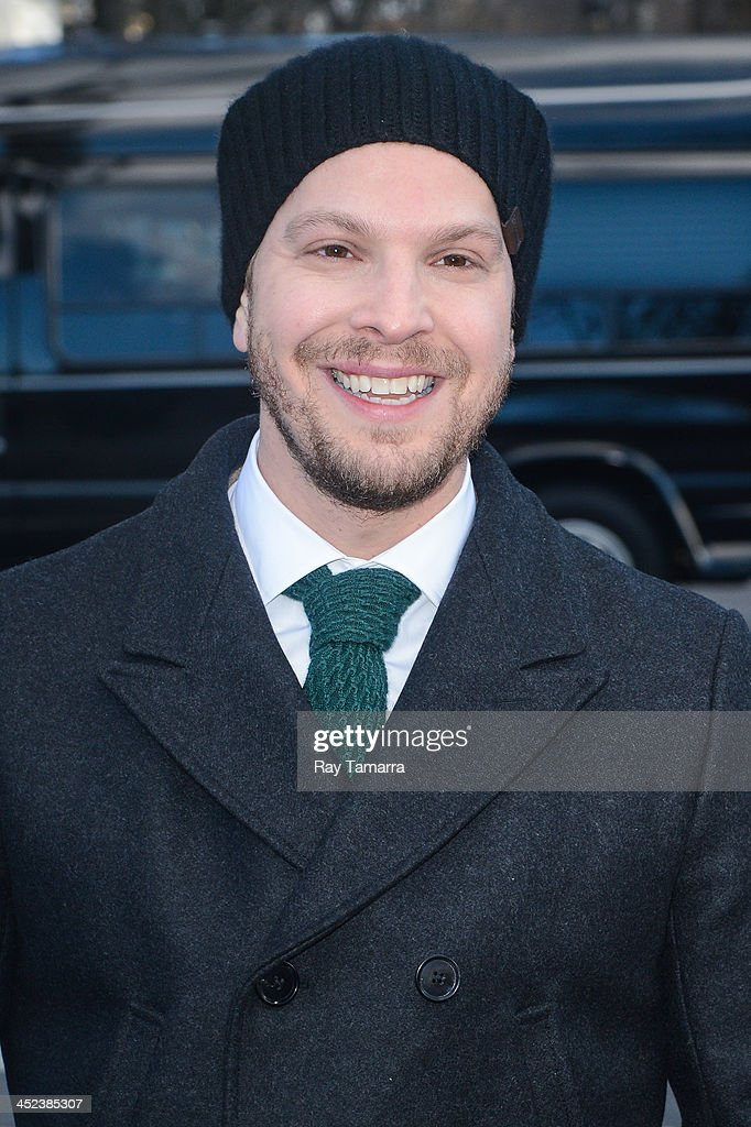 Singer <a gi-track='captionPersonalityLinkClicked' href=/galleries/search?phrase=Gavin+DeGraw&family=editorial&specificpeople=203282 ng-click='$event.stopPropagation()'>Gavin DeGraw</a> attends the 87th Annual Macy's Thanksgiving Day Parade on November 28, 2013 in New York City.