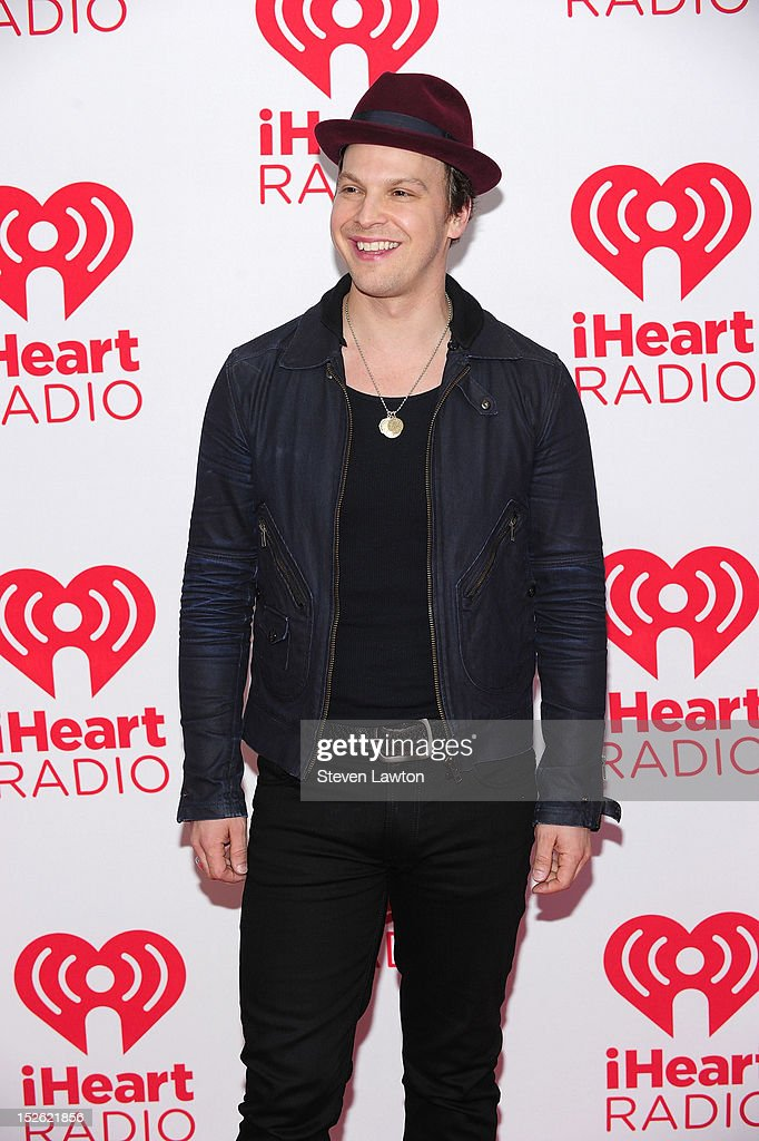 Singer <a gi-track='captionPersonalityLinkClicked' href=/galleries/search?phrase=Gavin+DeGraw&family=editorial&specificpeople=203282 ng-click='$event.stopPropagation()'>Gavin DeGraw</a> poses in the press room at the iHeartRadio Music Festival at the MGM Grand Garden Arena September 21, 2012 in Las Vegas, Nevada.