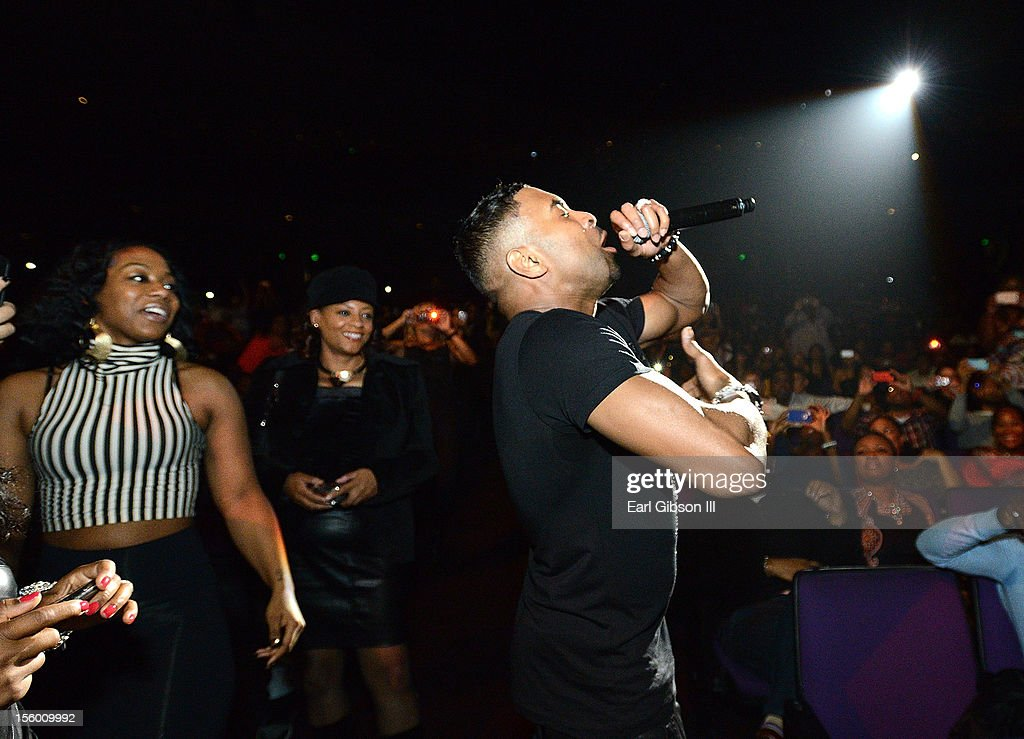 Singer Ginuwine of TNT performs at Soul Train Awards Weekend Live in Concert at PH Live at Planet Hollywood Resort & Casino on November 10, 2012 in Las Vegas, Nevada.