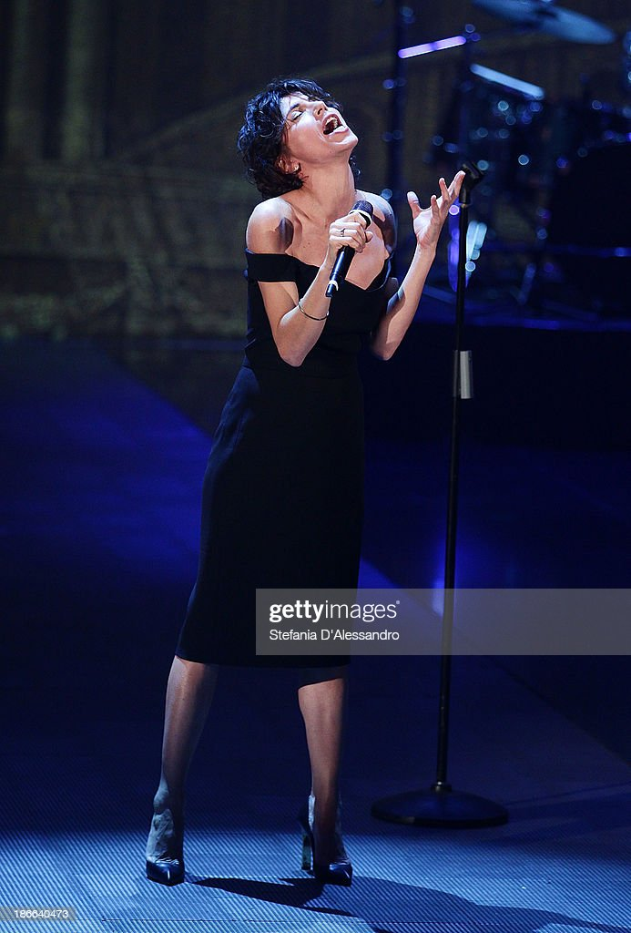 Singer Giorgia performs at 'Che Tempo Che Fa' TV Show on November 2, 2013 in Milan, Italy.