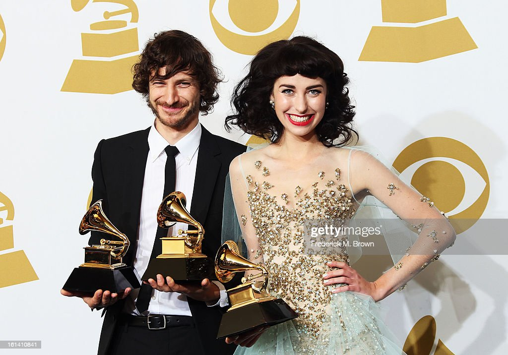 Singer <a gi-track='captionPersonalityLinkClicked' href=/galleries/search?phrase=Gotye&family=editorial&specificpeople=4056440 ng-click='$event.stopPropagation()'>Gotye</a> (L), winner of Best Alternative Music Album for 'Making Mirrors' and Best Pop Duo/Group Performance for 'Somebody That I Used to Know,' and singer Kimbra, winner Best Pop Duo/Group Performance for 'Somebody That I Used to Know,' pose in the press room at the 55th Annual GRAMMY Awards at Staples Center on February 10, 2013 in Los Angeles, California.