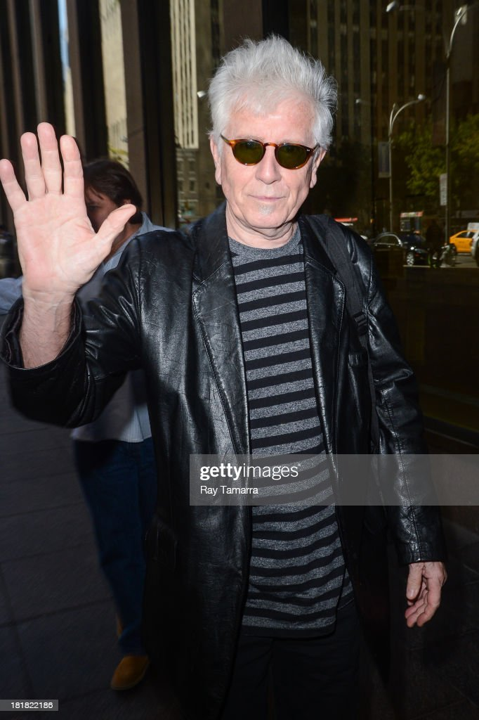 Singer <a gi-track='captionPersonalityLinkClicked' href=/galleries/search?phrase=Graham+Nash&family=editorial&specificpeople=208239 ng-click='$event.stopPropagation()'>Graham Nash</a> enters the Sirius XM Studios on September 25, 2013 in New York City.