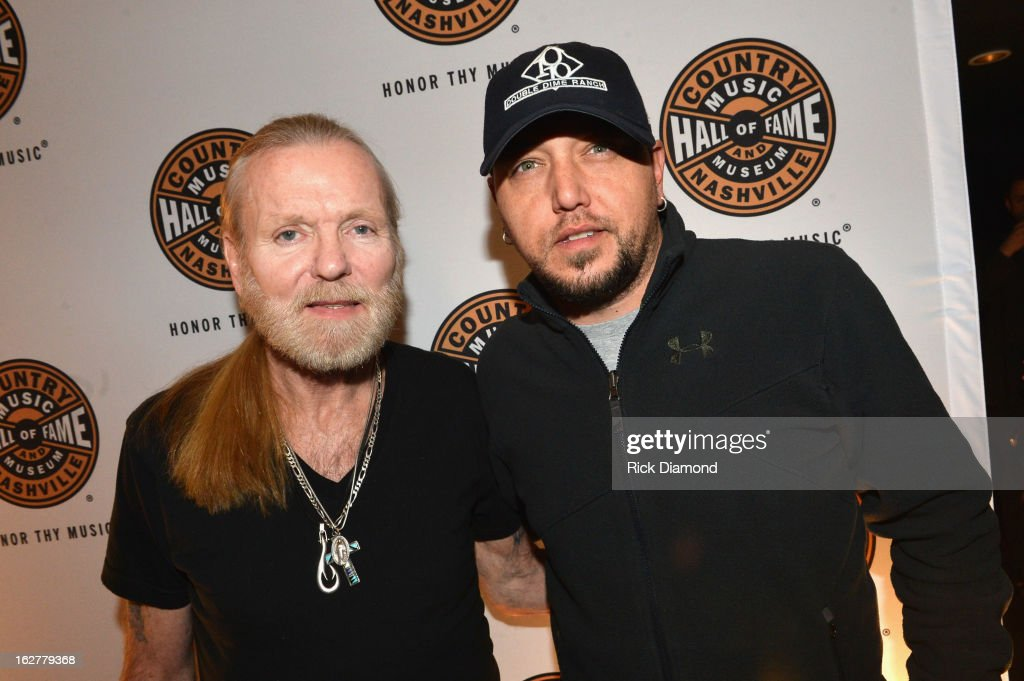Singer <a gi-track='captionPersonalityLinkClicked' href=/galleries/search?phrase=Gregg+Allman&family=editorial&specificpeople=741073 ng-click='$event.stopPropagation()'>Gregg Allman</a> and singer <a gi-track='captionPersonalityLinkClicked' href=/galleries/search?phrase=Jason+Aldean&family=editorial&specificpeople=619221 ng-click='$event.stopPropagation()'>Jason Aldean</a> attend the All For the Hall New York concert benefiting the Country Music Hall of Fame at Best Buy Theater on February 26, 2013 in New York City.