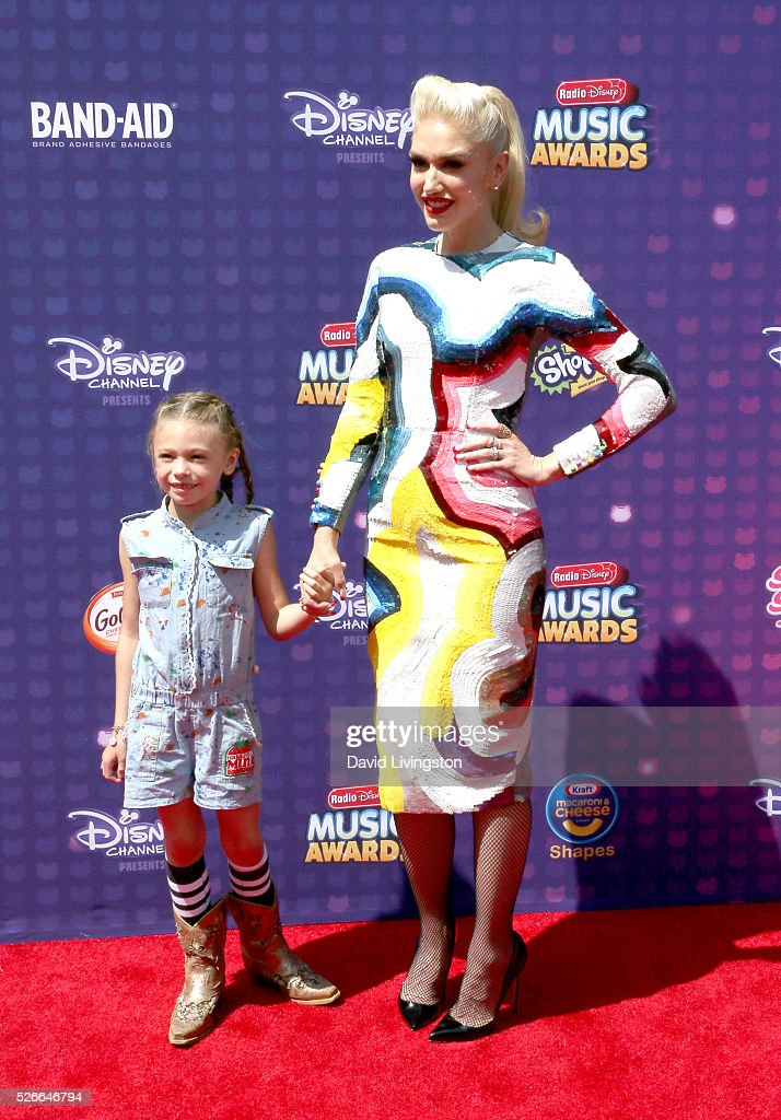 Singer Gwen Stefani (R) and Stella Stefani attend the 2016 Radio Disney Music Awards at Microsoft Theater on April 30, 2016 in Los Angeles, California.