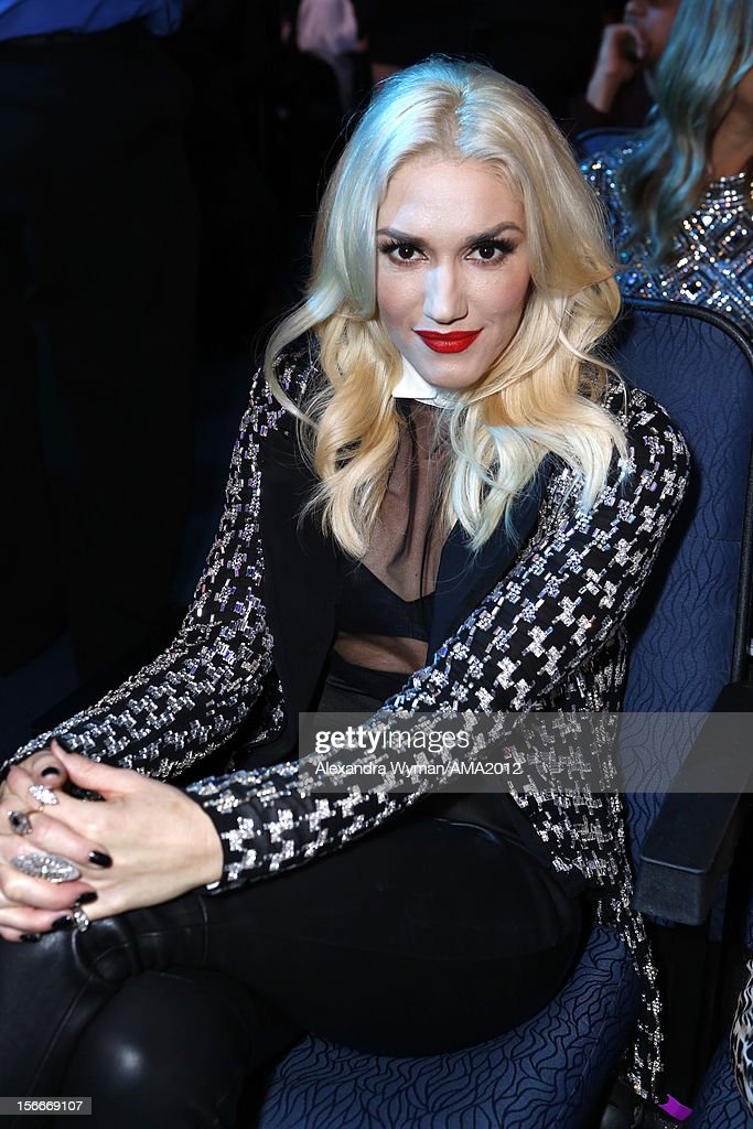 Singer <a gi-track='captionPersonalityLinkClicked' href=/galleries/search?phrase=Gwen+Stefani&family=editorial&specificpeople=156423 ng-click='$event.stopPropagation()'>Gwen Stefani</a> at the 40th American Music Awards held at Nokia Theatre L.A. Live on November 18, 2012 in Los Angeles, California.