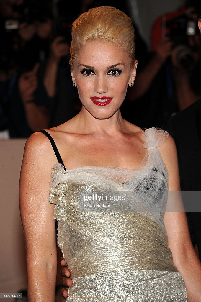 Singer <a gi-track='captionPersonalityLinkClicked' href=/galleries/search?phrase=Gwen+Stefani&family=editorial&specificpeople=156423 ng-click='$event.stopPropagation()'>Gwen Stefani</a> attends the Metropolitan Museum of Art's 2010 Costume Institute Ball at The Metropolitan Museum of Art on May 3, 2010 in New York City.