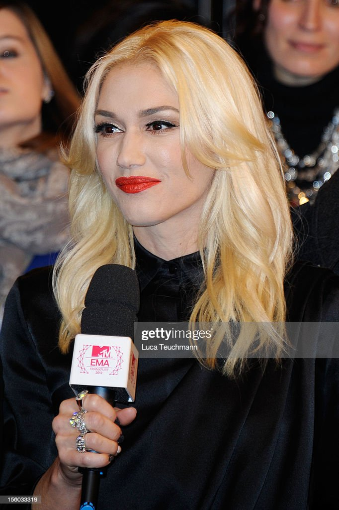 Singer <a gi-track='captionPersonalityLinkClicked' href=/galleries/search?phrase=Gwen+Stefani&family=editorial&specificpeople=156423 ng-click='$event.stopPropagation()'>Gwen Stefani</a> attends the MTV EMA's 2012 at Festhalle Frankfurt on November 11, 2012 in Frankfurt am Main, Germany.