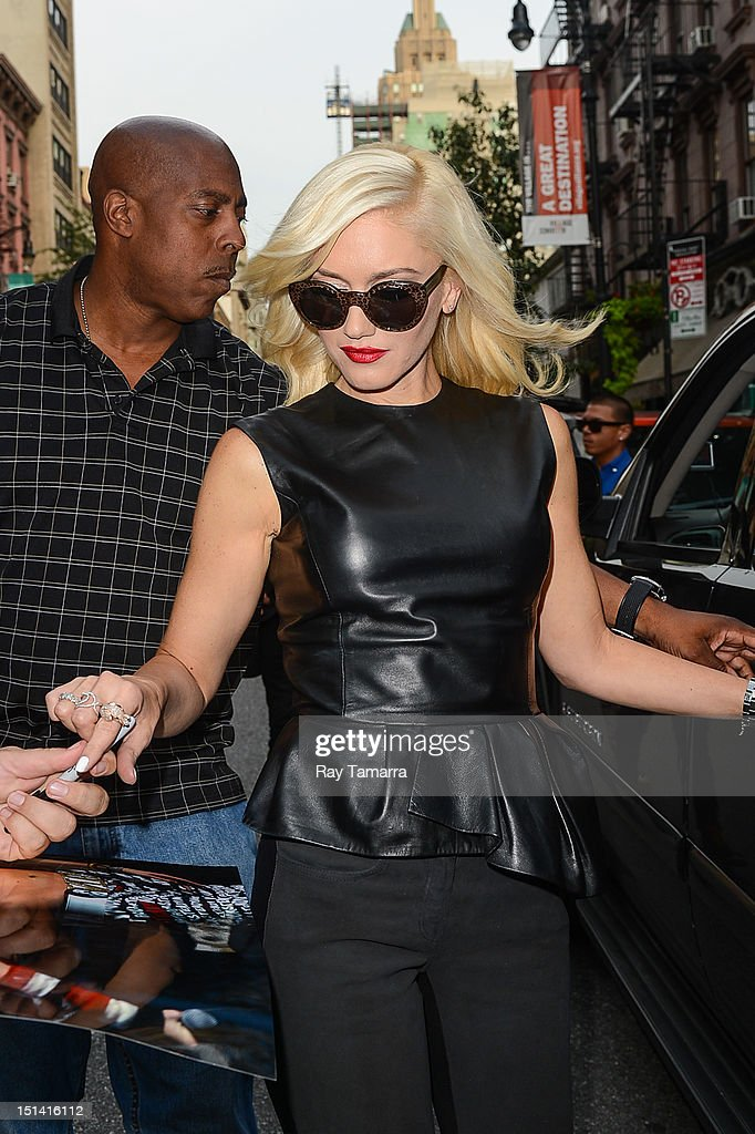 Singer <a gi-track='captionPersonalityLinkClicked' href=/galleries/search?phrase=Gwen+Stefani&family=editorial&specificpeople=156423 ng-click='$event.stopPropagation()'>Gwen Stefani</a> leaves the Electric Lady Studio on September 6, 2012 in New York City.