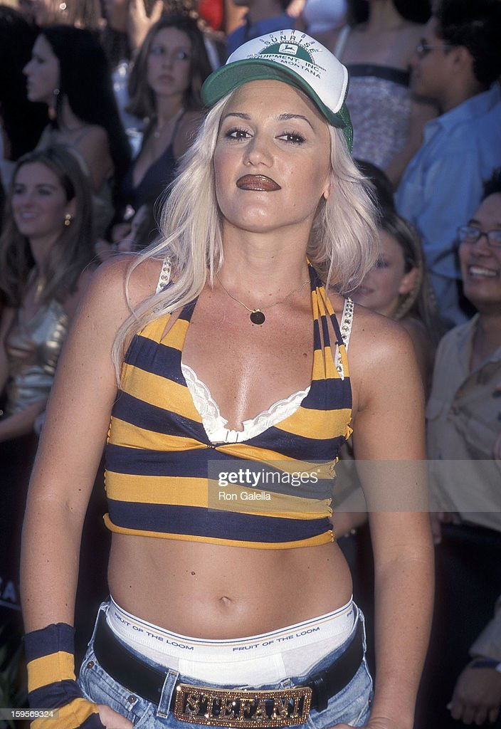 Singer <a gi-track='captionPersonalityLinkClicked' href=/galleries/search?phrase=Gwen+Stefani&family=editorial&specificpeople=156423 ng-click='$event.stopPropagation()'>Gwen Stefani</a> of No Doubt attends the Third Annual Teen Choice Awards on August 12, 2001 at the Universal Amphitheatre in Universal City, California.