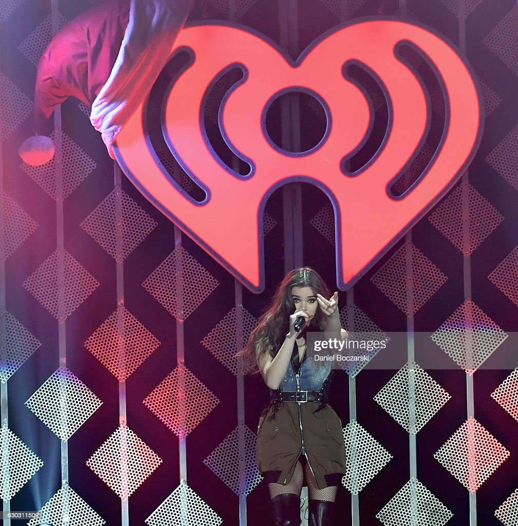 Singer Hailee Steinfeld performs onstage during 103.5 KISS FM's Jingle Ball 2016 at Allstate Arena on December 14, 2016 in Rosemont, Illinois.