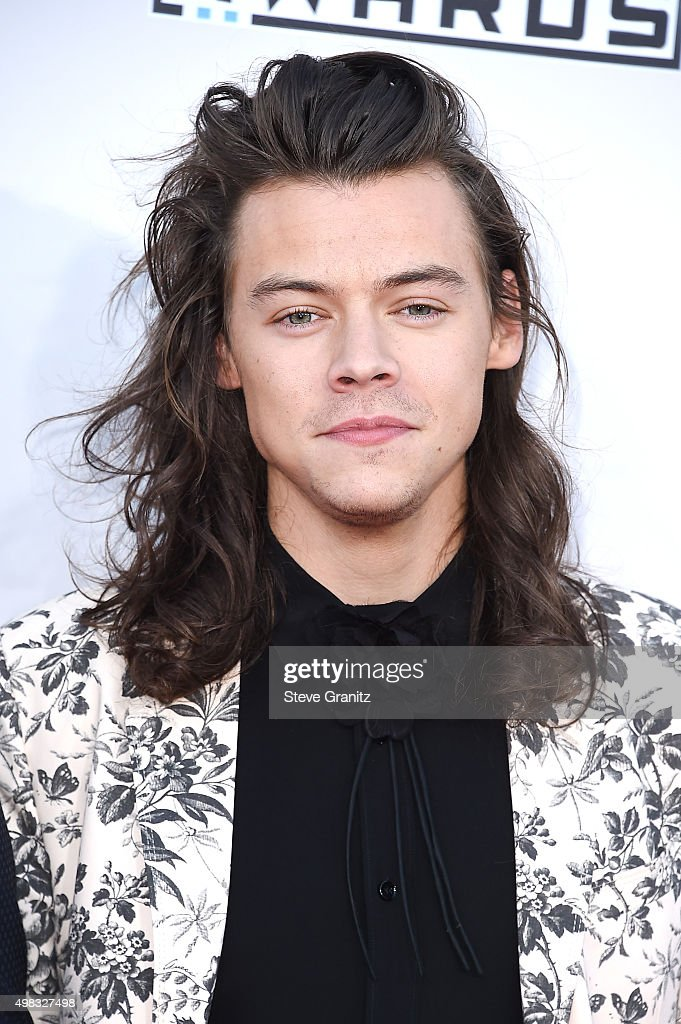 Singer <a gi-track='captionPersonalityLinkClicked' href=/galleries/search?phrase=Harry+Styles&family=editorial&specificpeople=7229830 ng-click='$event.stopPropagation()'>Harry Styles</a> attends the 2015 American Music Awards at Microsoft Theater on November 22, 2015 in Los Angeles, California.
