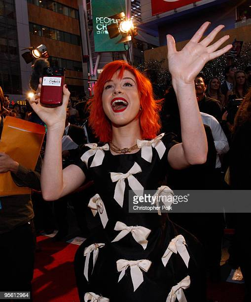 Singer Hayley Williams of Paramore arrives at the People's Choice Awards 2010 held at Nokia Theatre LA Live on January 6 2010 in Los Angeles...
