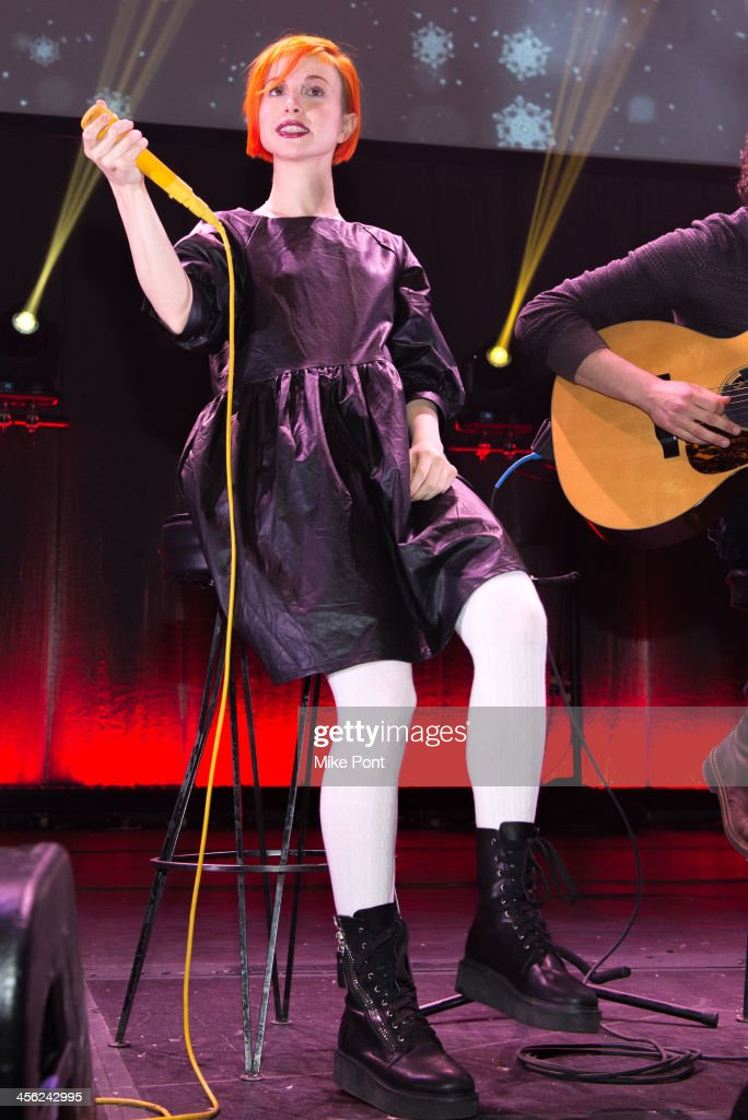 Singer Hayley Williams of the band Paramore performs at the Z100 & Coca-Cola All Access Lounge at Hammerstein Ballroom on December 13, 2013 in New York City.