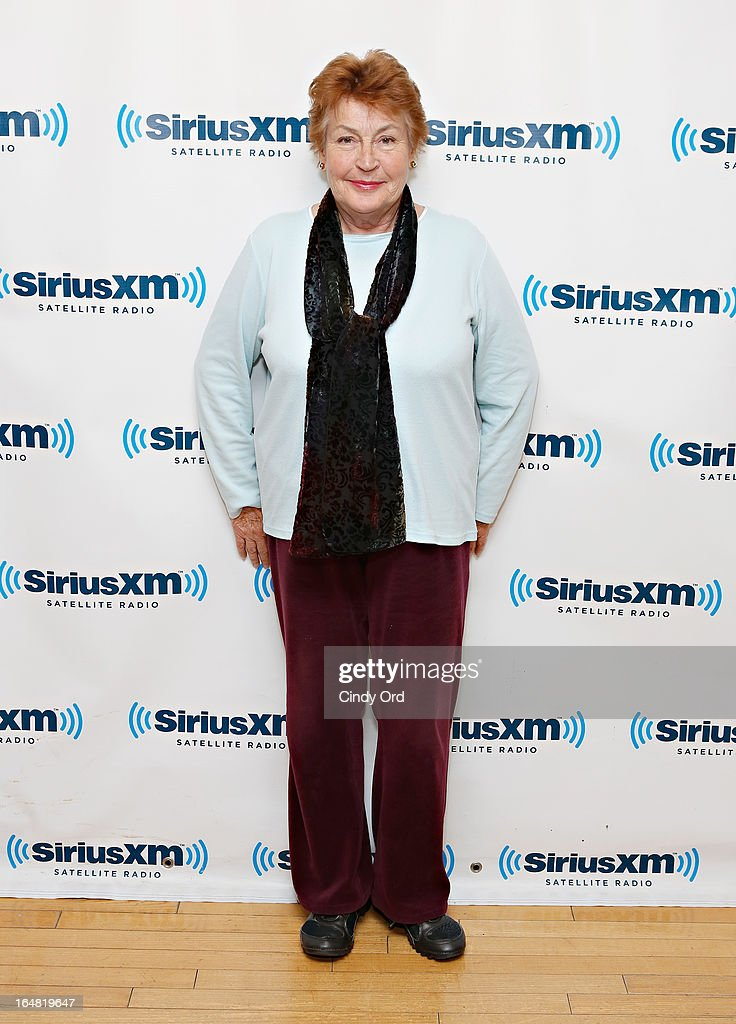 Singer <a gi-track='captionPersonalityLinkClicked' href=/galleries/search?phrase=Helen+Reddy&family=editorial&specificpeople=733379 ng-click='$event.stopPropagation()'>Helen Reddy</a> visits the SiriusXM Studios on March 28, 2013 in New York City.