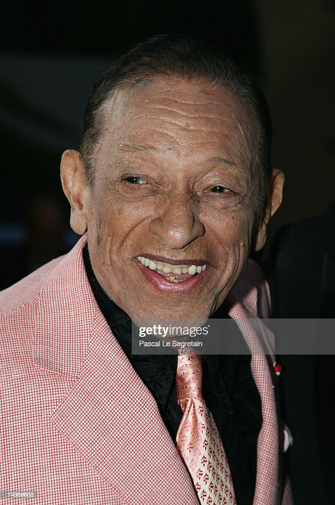 Singer Henri Salvador poses as he arrives to attend the television show 'Tenue de Soiree' on May 31 2007 in Monte Carlo Monaco