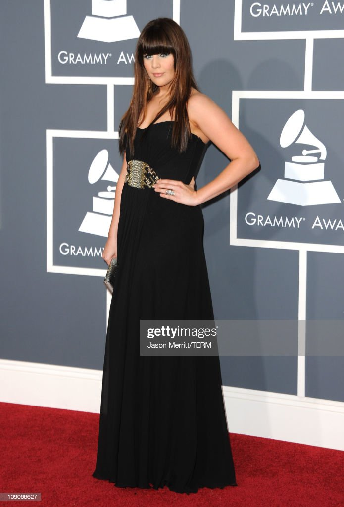 Singer Hillary Scott of the band Lady Antebellum arrive at The 53rd Annual GRAMMY Awards held at Staples Center on February 13, 2011 in Los Angeles, California.