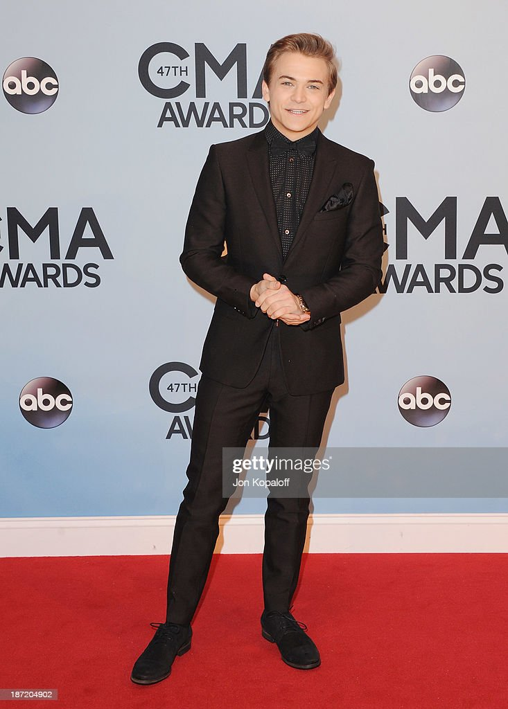 Singer Hunter Hayes attends the 47th annual CMA Awards at the Bridgestone Arena on November 6, 2013 in Nashville, Tennessee.