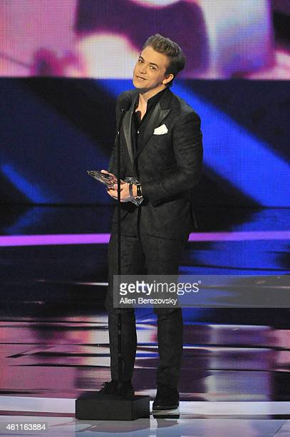 Singer Hunter Hayes winner of the People's Choice Award for Favorite Male Country Artist speaks onstage during the 41st Annual People's Choice Awards...