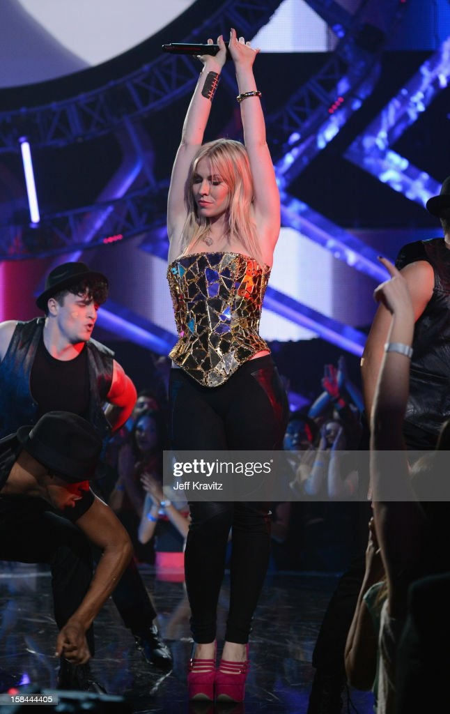 Singer <a gi-track='captionPersonalityLinkClicked' href=/galleries/search?phrase=Iggy+Azalea&family=editorial&specificpeople=8558263 ng-click='$event.stopPropagation()'>Iggy Azalea</a> performs on stage at 'VH1 Divas' 2012 at The Shrine Auditorium on December 16, 2012 in Los Angeles, California.