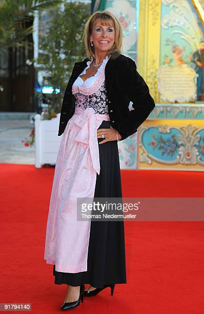 Singer Ireen Sheer arrives on the red carpet during the celebration of the 60th birthday of Roland Mack at Europapark on October 12 2009 in Rust...