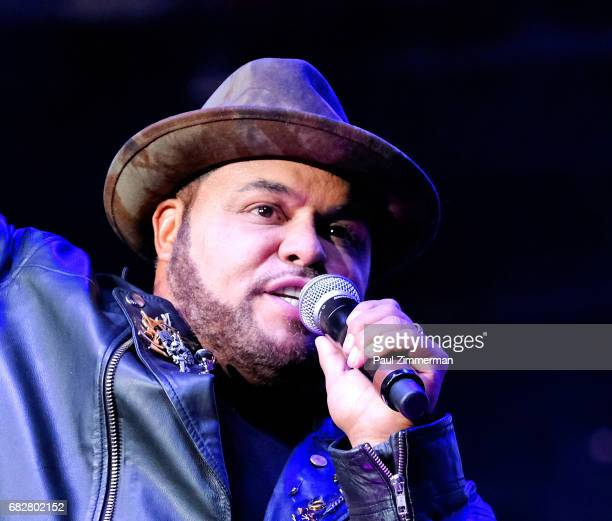 Singer Israel Houghton performs onstage at the 35th Anniversary Mother's Day Weekend Gospelfest 2017 at Prudential Center on May 13 2017 in Newark...