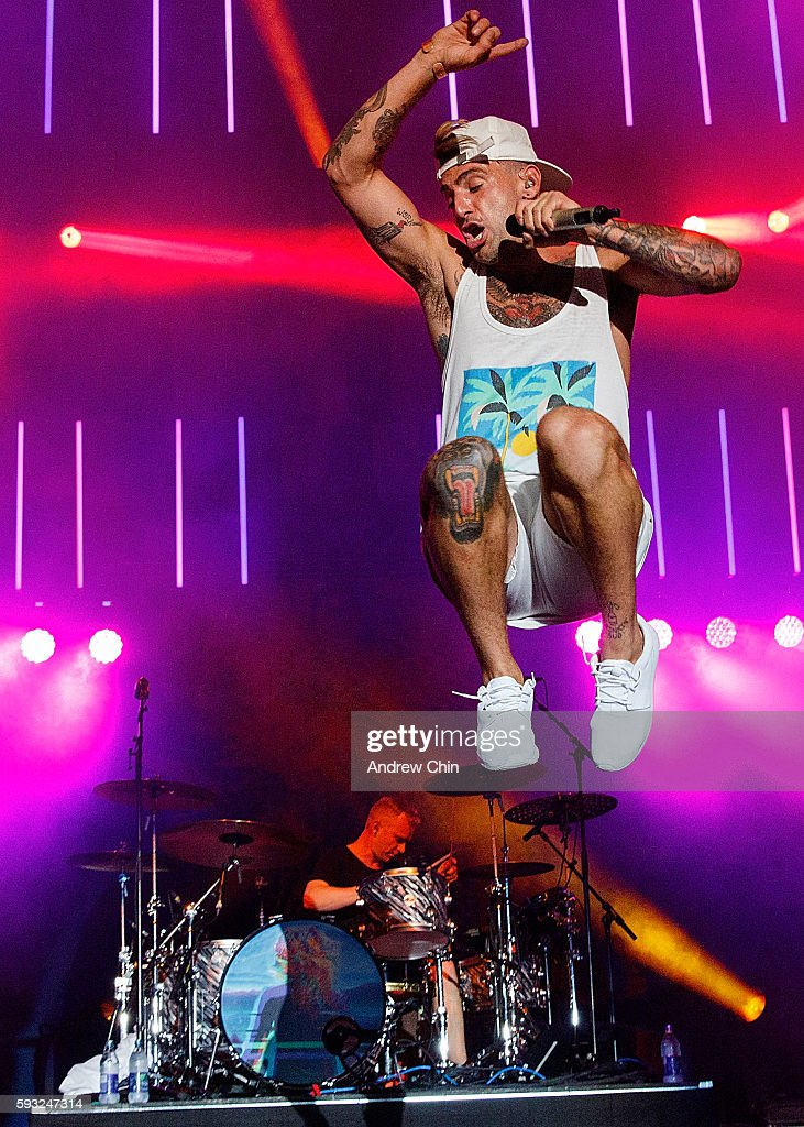 Singer Jacob Hoggard of Canadian poprock group Hedley performs onstage during KiSS RADiO's Wham Bam at PNE Amphitheatre on August 20 2016 in...