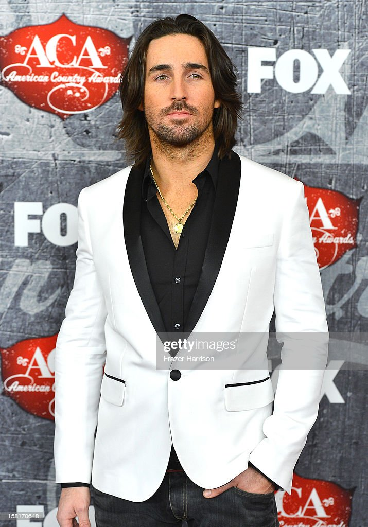 Singer Jake Owen arrives at the 2012 American Country Awards at the Mandalay Bay Events Center on December 10, 2012 in Las Vegas, Nevada.