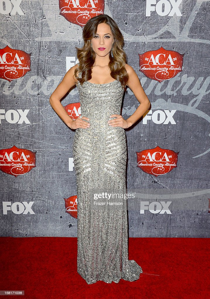 Singer Jana Kramer arrives at the 2012 American Country Awards at the Mandalay Bay Events Center on December 10, 2012 in Las Vegas, Nevada.
