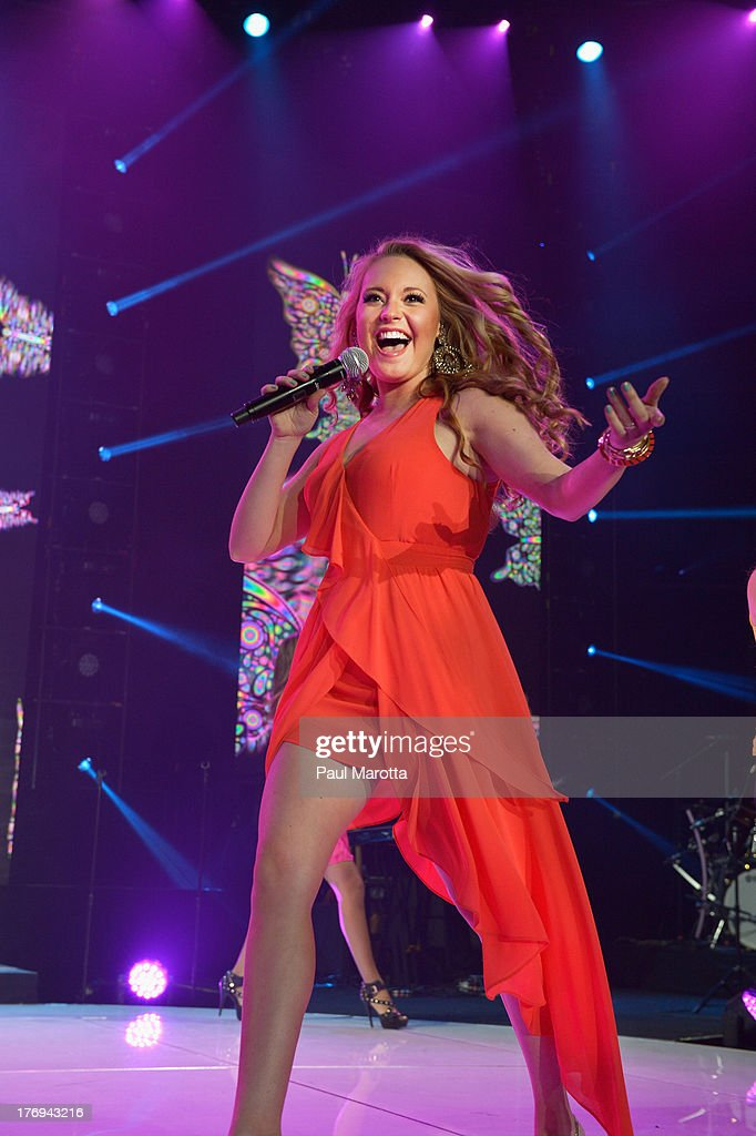 Singer Janelle Arthur performs during American Idol Live! 2013 at Agganis Arena at Boston University on August 19, 2013 in Boston, Massachusetts.
