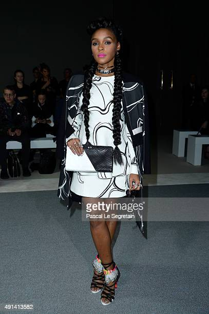 Singer Janelle Monae attends the Giambattista Valli show as part of the Paris Fashion Week Womenswear Spring/Summer 2016 on October 5 2015 in Paris...