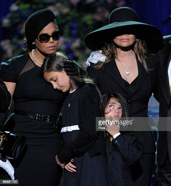 Singer Janet Jackson Paris Jackson Prince Michael II and La Toya Jackson appear on stage at the Michael Jackson public memorial service held at...