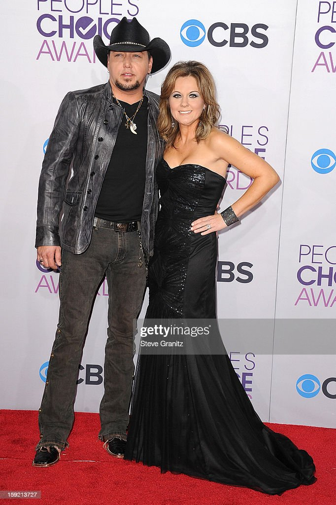 Singer Jason Aldean (L) and Jessica Aldean attend the 2013 People's Choice Awards at Nokia Theatre L.A. Live on January 9, 2013 in Los Angeles, California.
