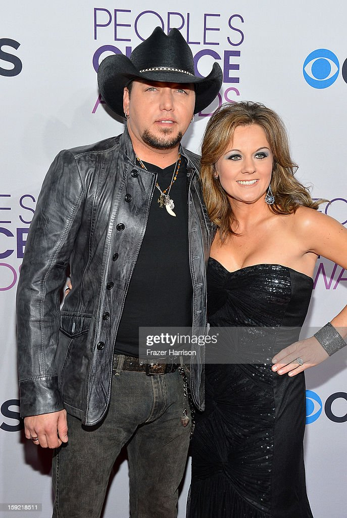 Singer <a gi-track='captionPersonalityLinkClicked' href=/galleries/search?phrase=Jason+Aldean&family=editorial&specificpeople=619221 ng-click='$event.stopPropagation()'>Jason Aldean</a> (L) and Jessica Aldean attend the 39th Annual People's Choice Awards at Nokia Theatre L.A. Live on January 9, 2013 in Los Angeles, California.