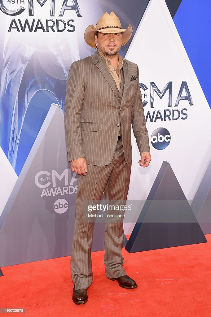 Singer <a gi-track='captionPersonalityLinkClicked' href=/galleries/search?phrase=Jason+Aldean&family=editorial&specificpeople=619221 ng-click='$event.stopPropagation()'>Jason Aldean</a> attends the 49th annual CMA Awards at the Bridgestone Arena on November 4, 2015 in Nashville, Tennessee.