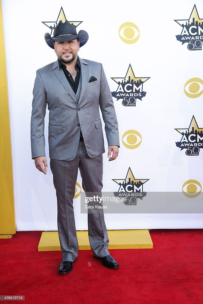 Singer <a gi-track='captionPersonalityLinkClicked' href=/galleries/search?phrase=Jason+Aldean&family=editorial&specificpeople=619221 ng-click='$event.stopPropagation()'>Jason Aldean</a> attends the 50th Academy of Country Music Awards at AT&T Stadium on April 19, 2015 in Arlington, Texas.