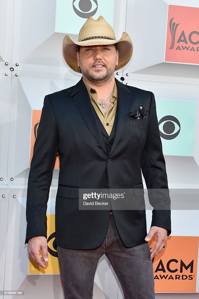 Singer <a gi-track='captionPersonalityLinkClicked' href=/galleries/search?phrase=Jason+Aldean&family=editorial&specificpeople=619221 ng-click='$event.stopPropagation()'>Jason Aldean</a> attends the 51st Academy of Country Music Awards at MGM Grand Garden Arena on April 3, 2016 in Las Vegas, Nevada.