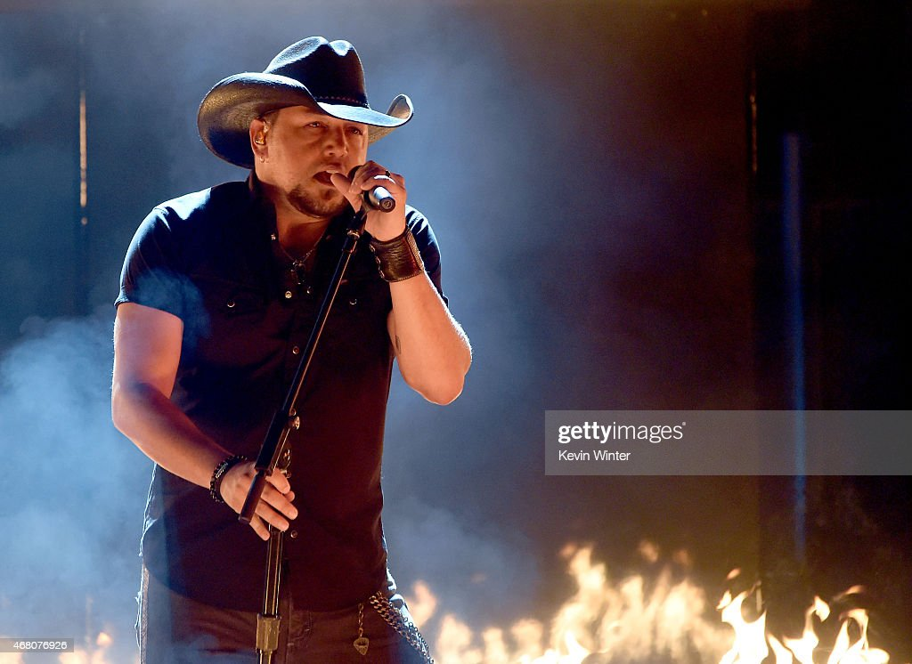Singer <a gi-track='captionPersonalityLinkClicked' href=/galleries/search?phrase=Jason+Aldean&family=editorial&specificpeople=619221 ng-click='$event.stopPropagation()'>Jason Aldean</a> performs onstage during the 2015 iHeartRadio Music Awards which broadcasted live on NBC from The Shrine Auditorium on March 29, 2015 in Los Angeles, California.